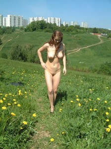 Amateur-russian-girl-takes-off-her-dress-and-posing-naked-at-public-park-16