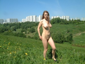 Amateur-russian-girl-takes-off-her-dress-and-posing-naked-at-public-park-7