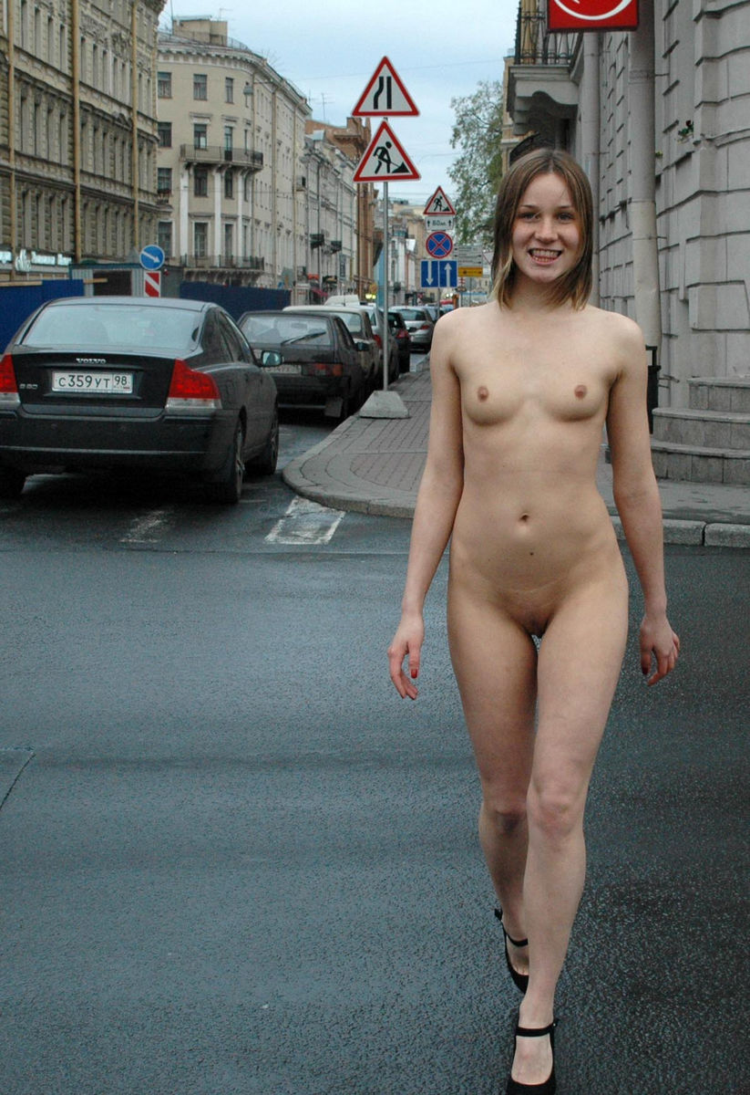 russian naked on the streets full nude waking ... Amazing-russian-sporty-girl-walks-totally-naked-at- ...